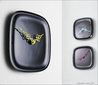 Relojes negros con color