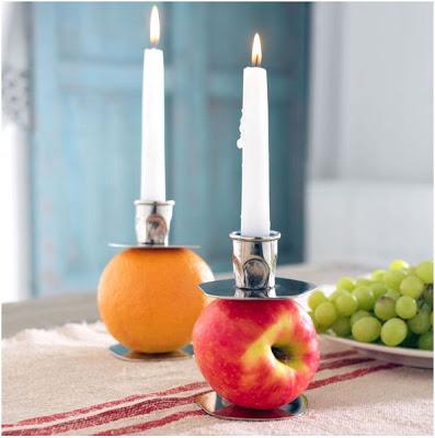 decora con frutas y candelabros