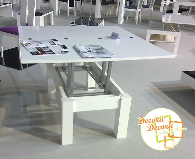 Una mesa de centro que se convierte en mesa de comedor.