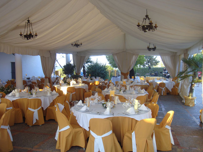 Carpas para fiestas for Sillas para quinceaneras decoradas