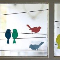 Decorar ventanas con pájaros de papel