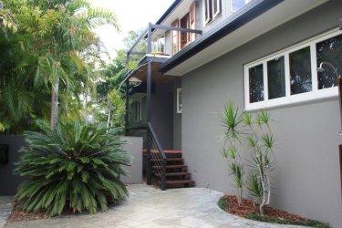 exteriores colores gris oscuro casas grises casa amarillo hause plastik zu detalles fachadas oscuros madera como asesinato brutal tonos blancos