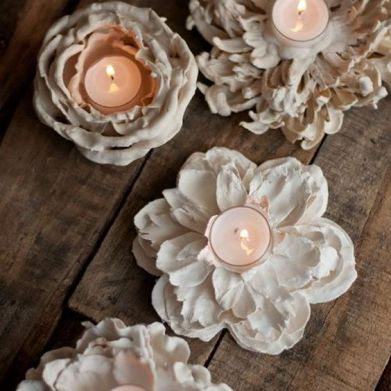 4. Candles made with natural flowers and plaster