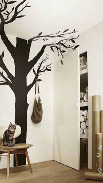 Vinilo de árbol en un recibidor