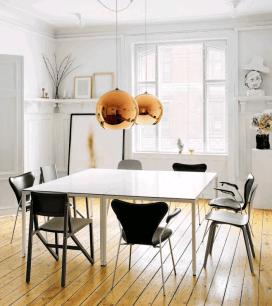 Casa en Copenhagen - comedor mesa cuadrada