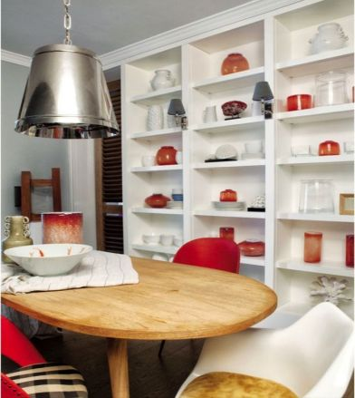 Apartamento clásico. Storage in the kitchen/dining