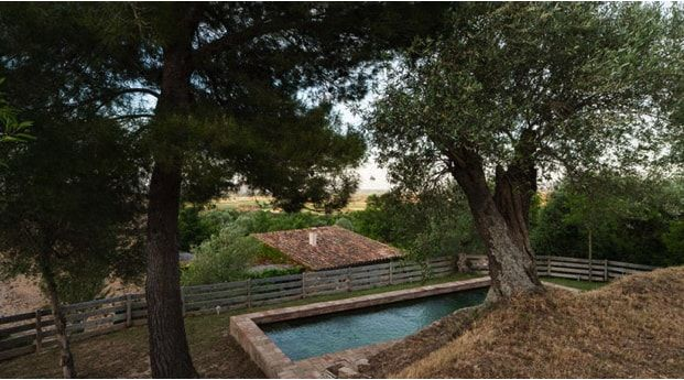 piscina en casa rural de rife