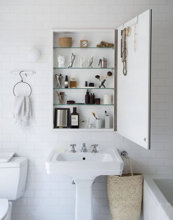 decoralinks | armario vintage botiquin recuperado - bathroom