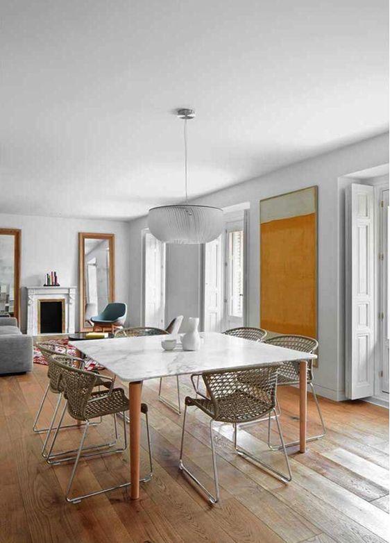 decoralinks | comedor con mesa tavolo de castiglioni y sillas vela de Accademia