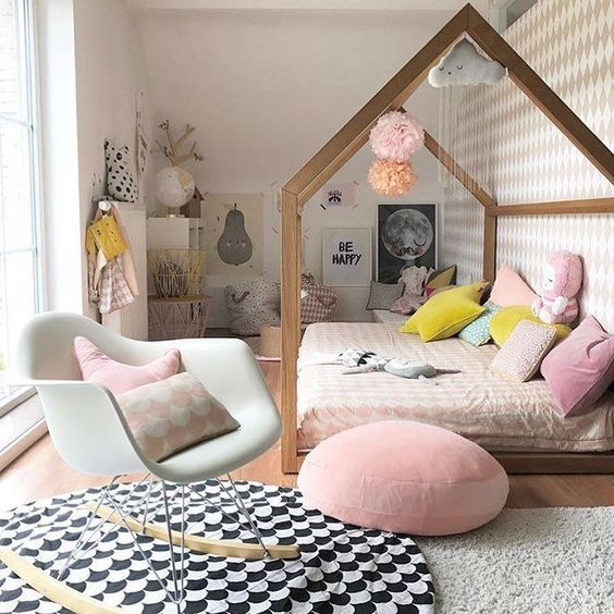 decoralinks | Pastel kids room with wallpaper from Fermliving
