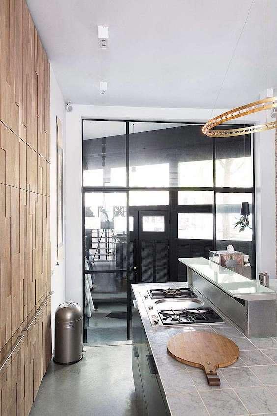 decoralinks | cocina con isla y armario de madera - casa en amsterdam