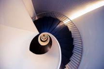 decoralinks   escalera del hotel Domine en bilbao. fotografia de @botikario