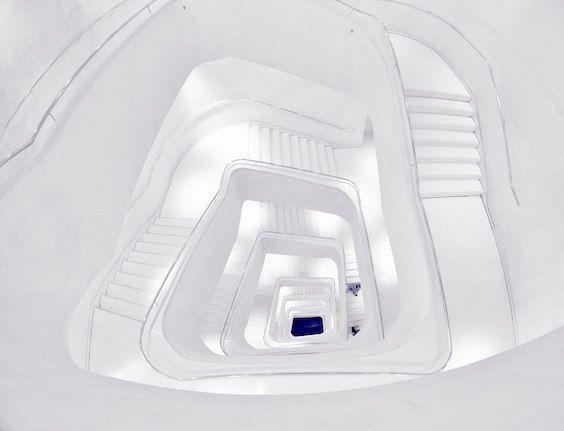 decoralinks   escaleras de caixaforum - foto de @botikario