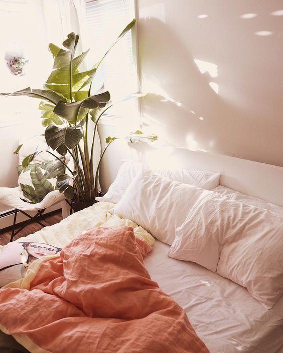decoralinks   color vestir cama verano - living coral