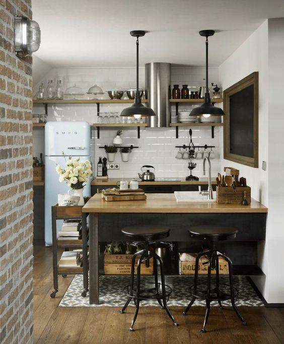 decoralinks   apartamento loft industrial - cocina con isla y taburetes de metal