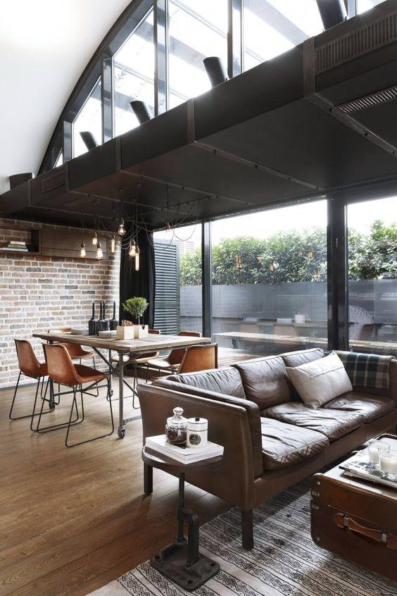 decoralinks   apartamento loft industrial - salon con caja para contener el aire acondicionado