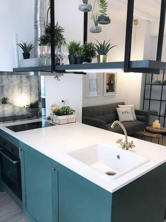 decoralinks | reforma piso alquiler cocina verde con isla