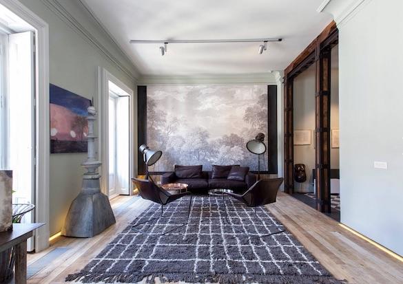decoralinks | casa con mas cristal que paredes - salon con vigas de madera y hierro