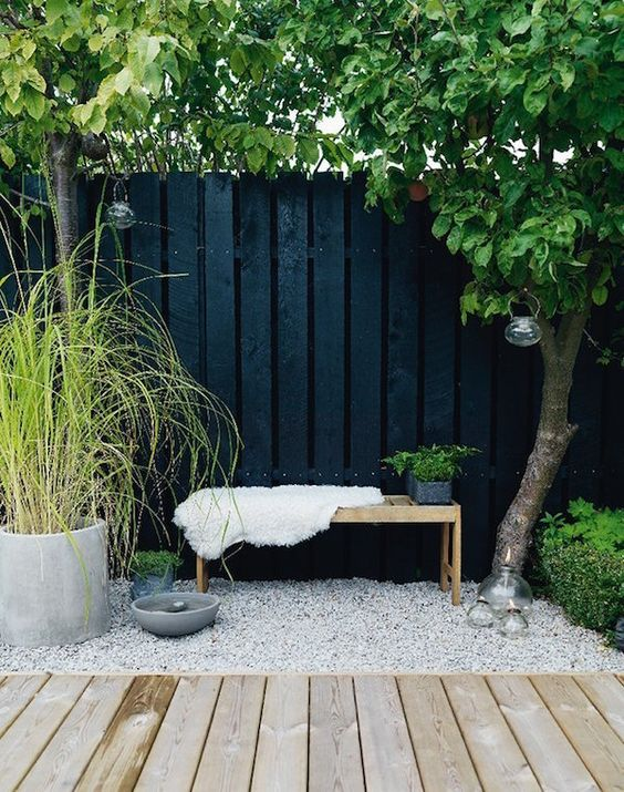 decoralinks | el color negro en el jardin es sumamente elegante