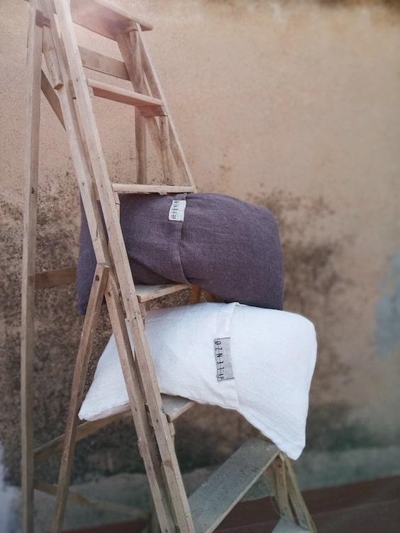 decoralinks | Cojines formentera gris y blanco de dE.LENZO - foto de EspacioDecoro