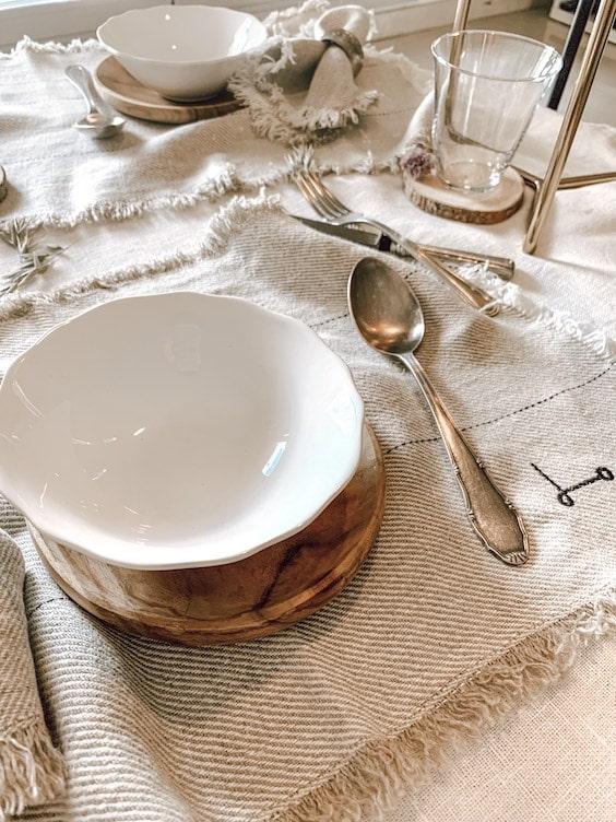 decoralinks | mantel individual crudo de lino Oliv de dE.LENZO - foto de Linea_R_