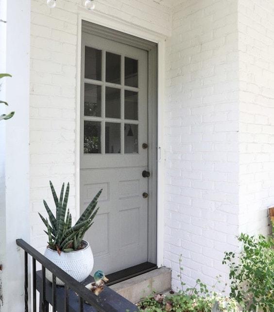 decoralinks | mosquitera para la puerta plegable de Phantomscreens - la casa es de Inspiredbycharm.com