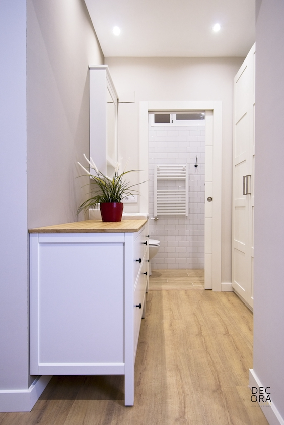 decoralinks | zona vestidor con lavabo - muebles ikea