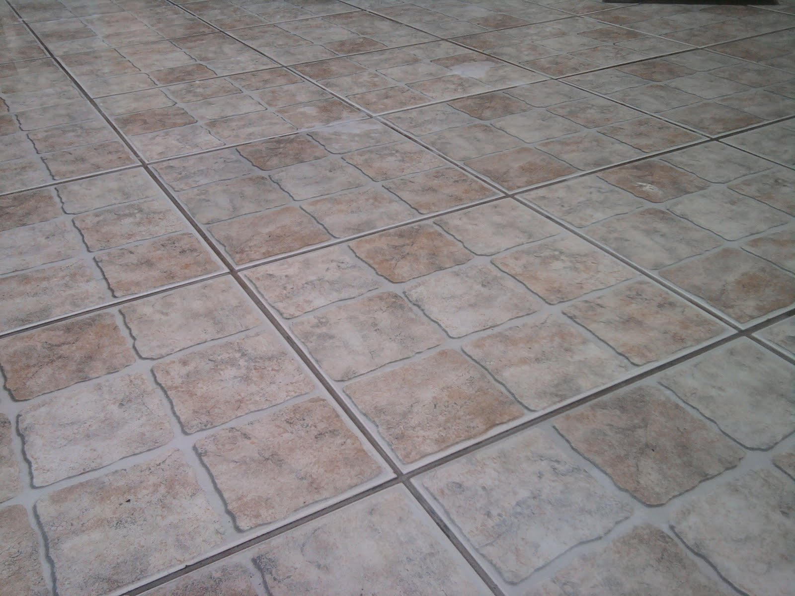 Piso antiderrapante de cermica porcelanato e pedras  Preos  Decorando Casas