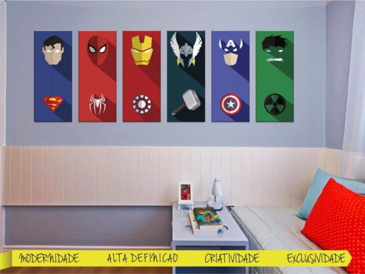 Quarto com Quadros super herois flat design