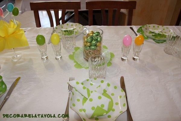 Decorazioni a tavola per Pasqua