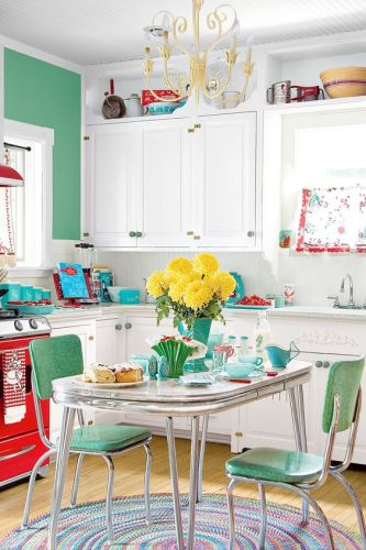 Best decorating themes for kitchens decorated life for Country living 500 kitchen ideas book