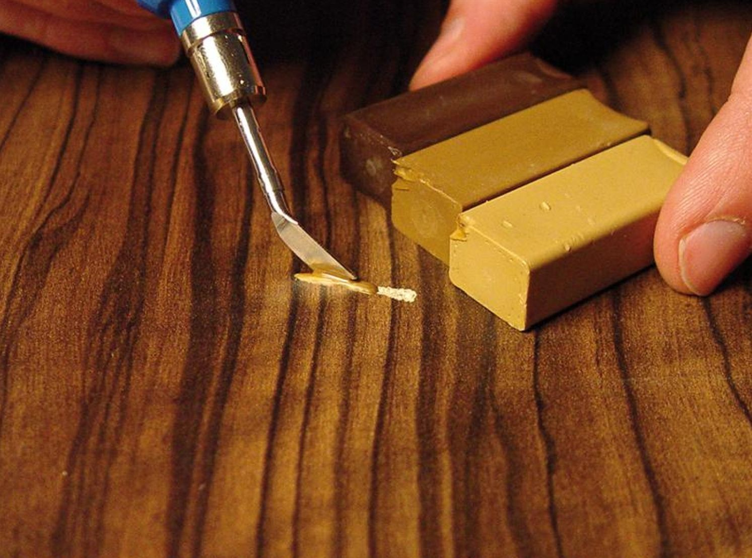 What is wax used for laminate?
