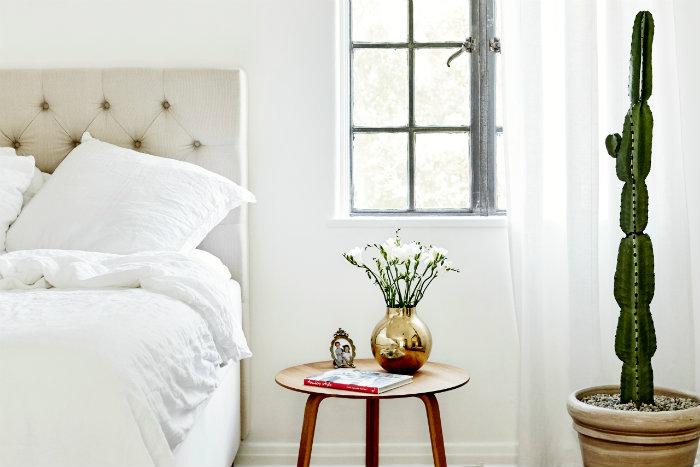 λευκο δωματιο με mid century modern