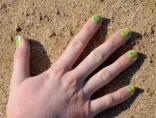 Nail art de printemps - https://decorationgles.wordpress.com/2013/06/14/nail-art-de-printemps/