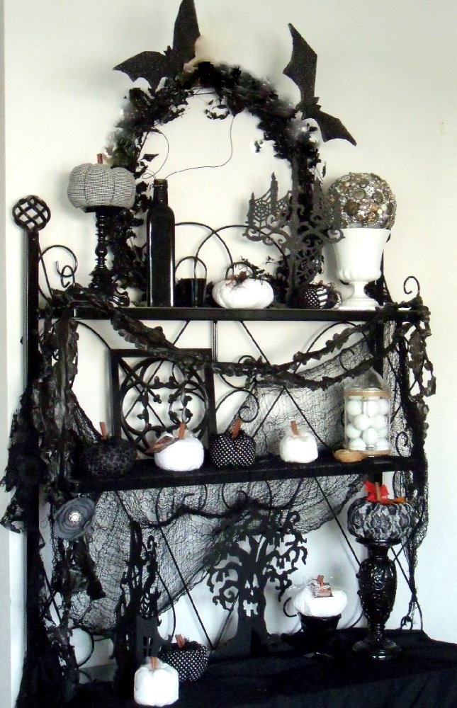 25 Black and White Halloween Decorations Ideas