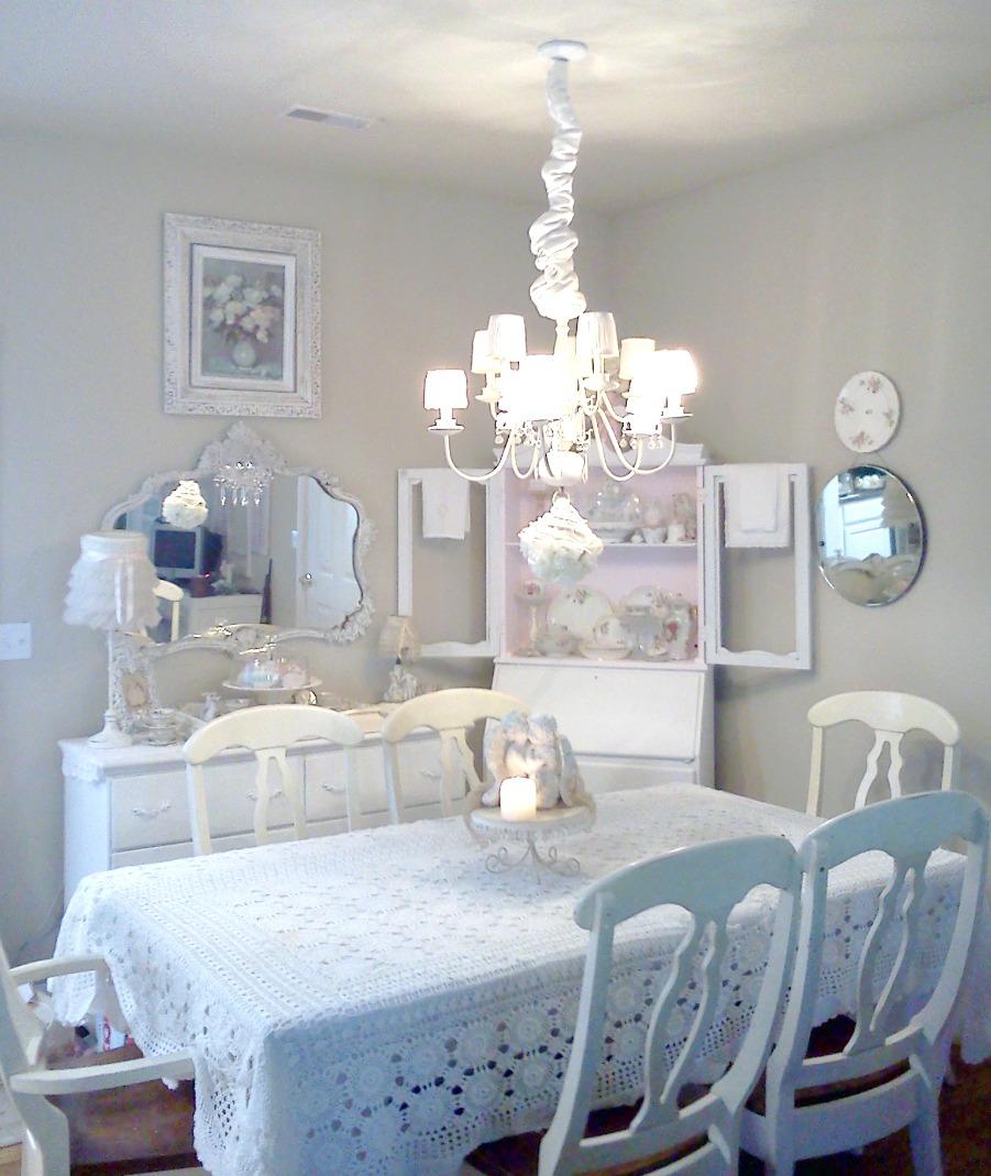 Lovely ShabbyChic Style Dining Room Design