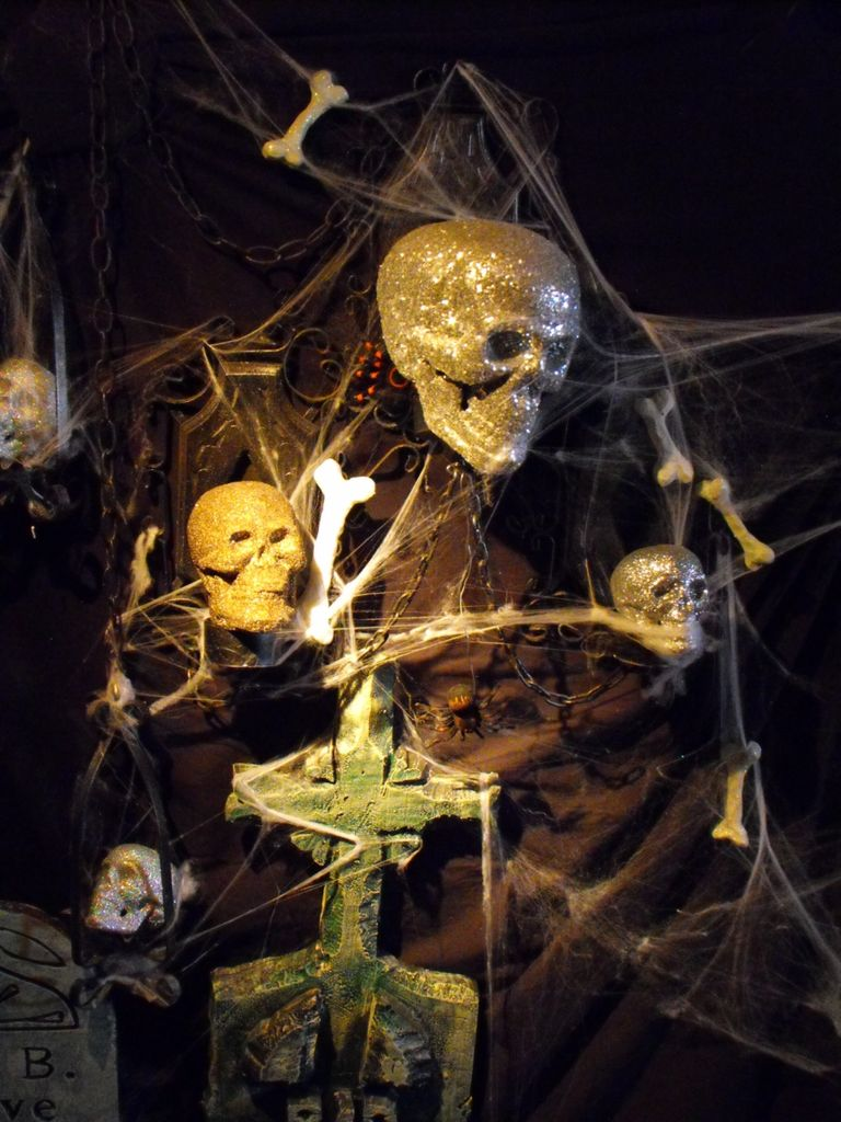 30 Creepy Halloween Decorations Ideas Decoration Love