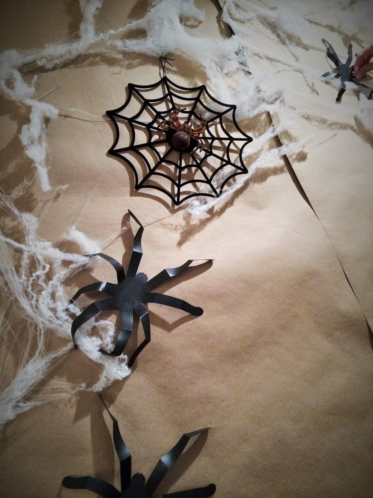 20 Spiders Halloween Decorations Ideas  Decoration Love