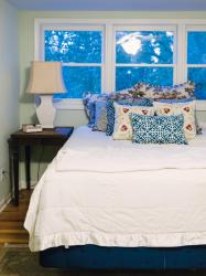 bedroom cottage decorating bedrooms decor spring rooms bungalow hgtv makeover cozy decoration before interior