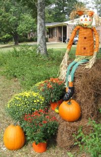 Fall Decorating Ideas with Hay Bales