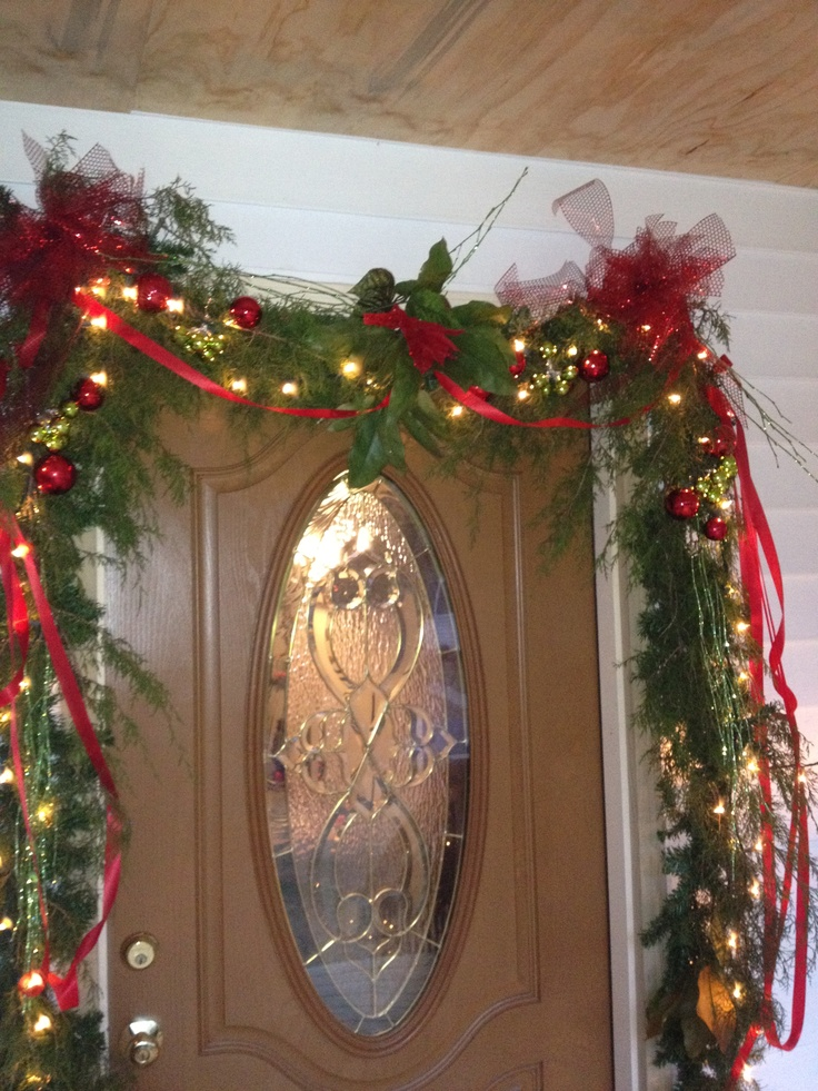 35 Stunning Garland Christmas Decorations Ideas  Decoration Love