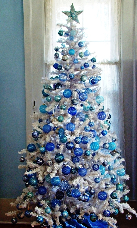 Blue And White Christmas Tree Ideas