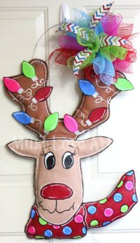 christmas-door-decoration-with-reindeer