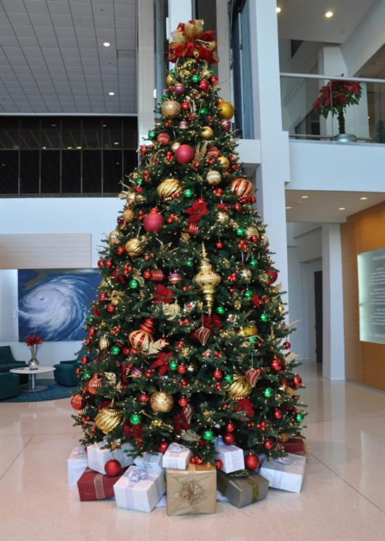 32 Perfect Indoor Christmas Decorations Ideas  Decoration Love
