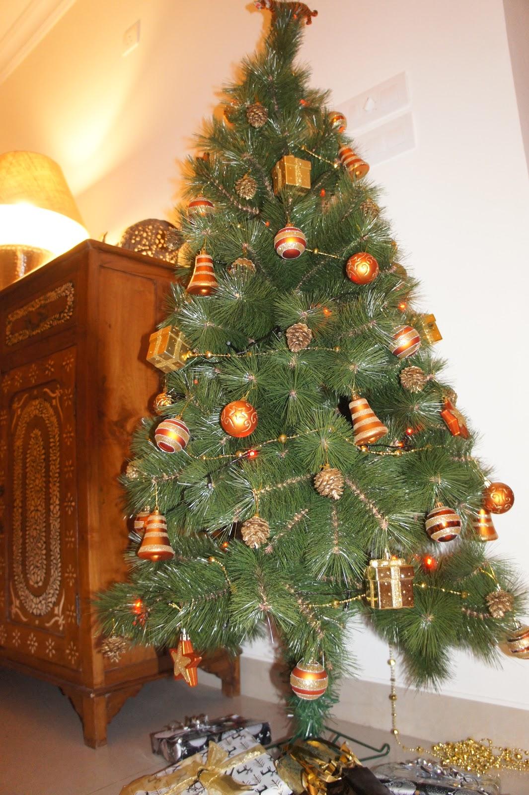 Orange Themed Christmas Tree
