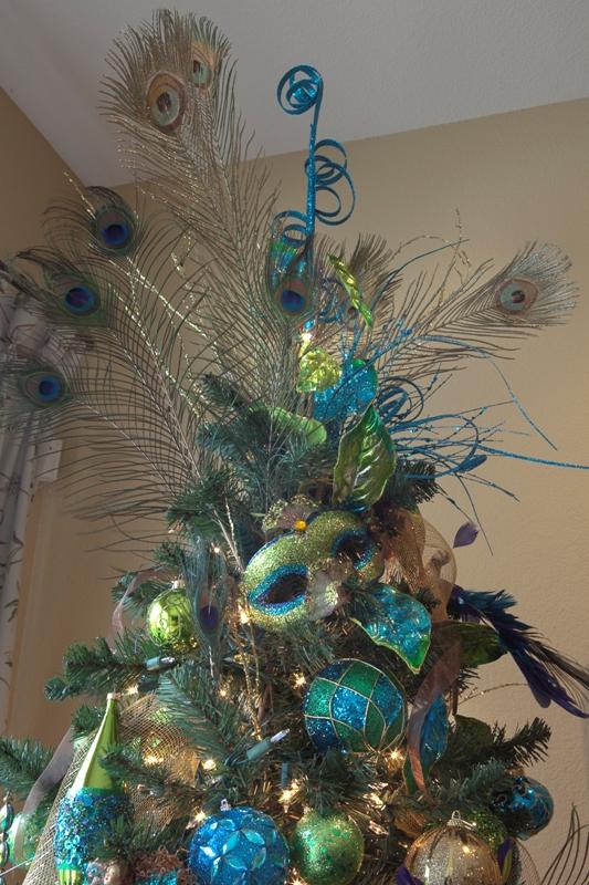 42 Attaractive Peacock Christmas Tree Decorations Ideas