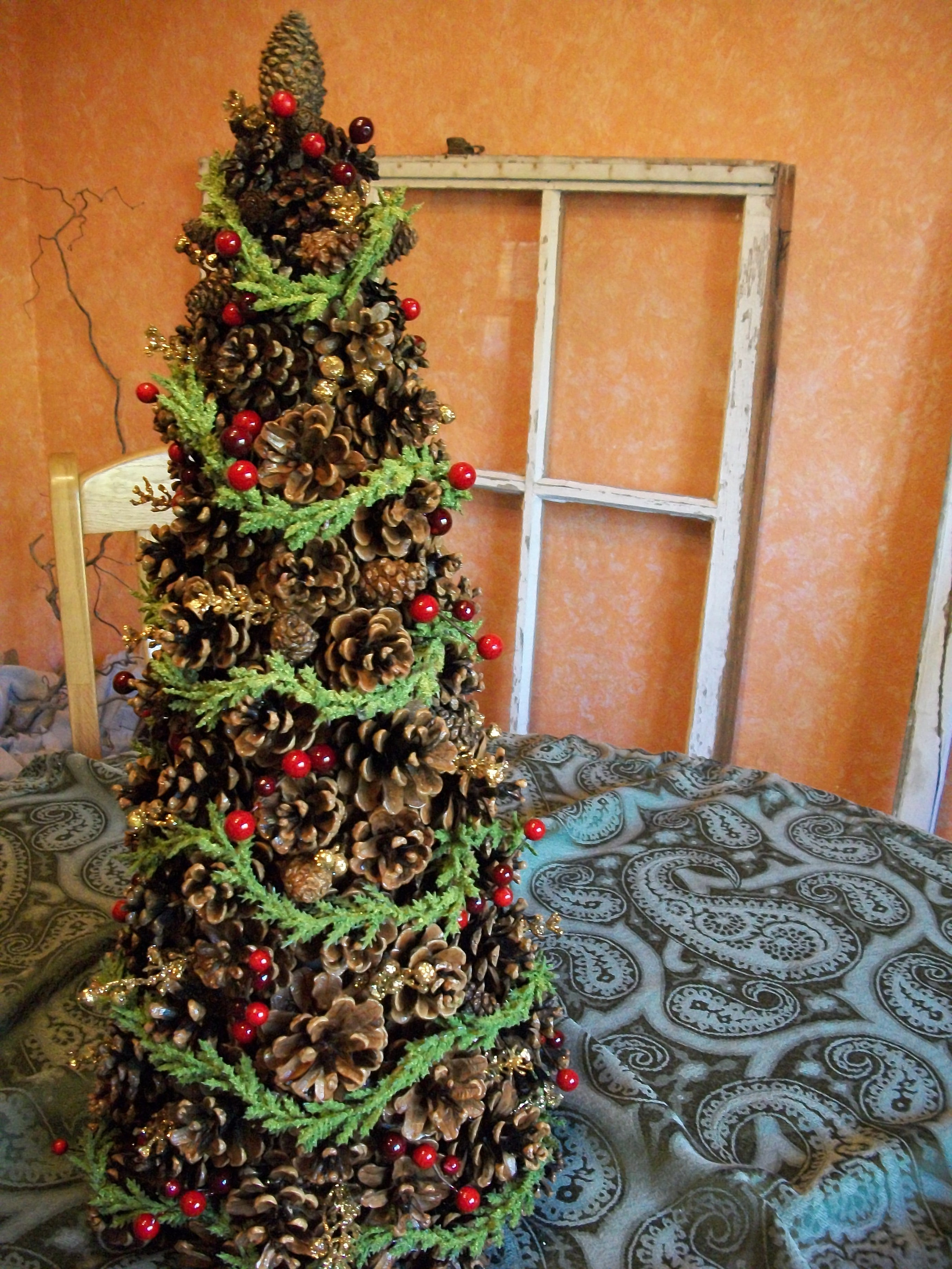 37 Amazing Pine Cone Christmas Tree Decorations Ideas  Decoration Love