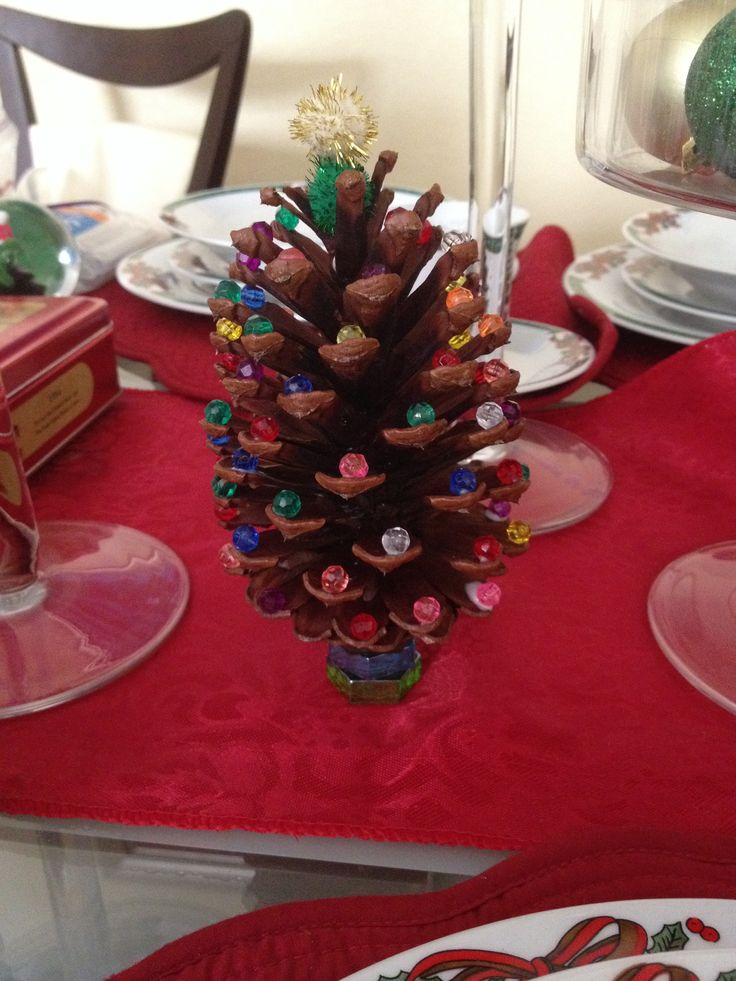 christmas decoration ideas for small living room loveseats pine-cone-christmas-tree-craft-red-design