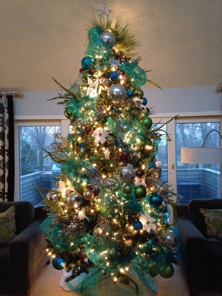 living room in spanish ideas for wall teal-and-lime-christmas-tree
