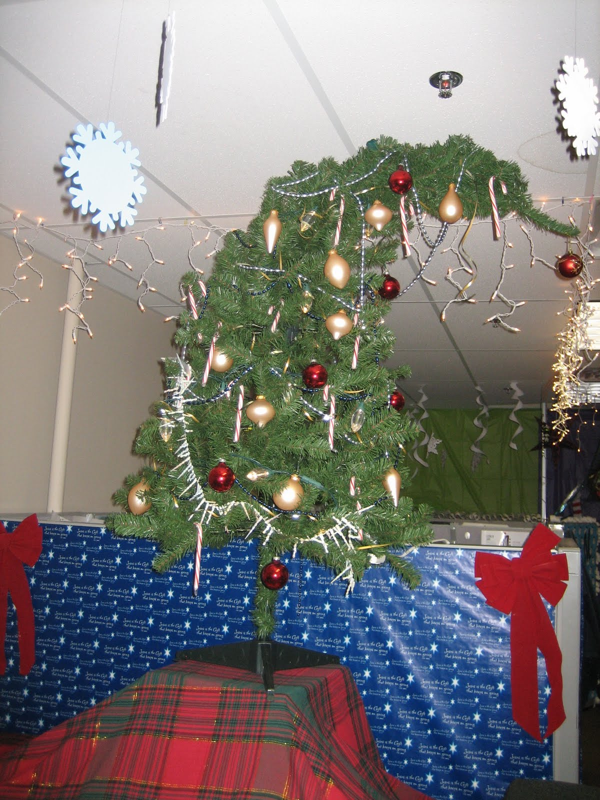 Whoville Christmas Office Decorating Idea